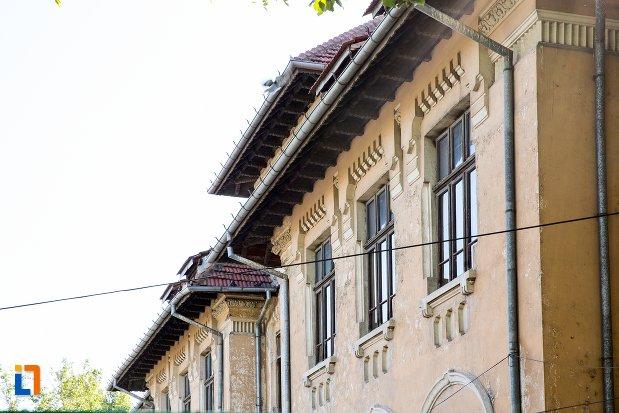 geamuri-de-la-scoala-sandu-aldea-din-braila-judetul-braila.jpg