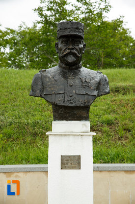 general-henri-mathias-berthelot-mausoleul-eroilor-din-1916-1919-de-la-marasesti-judetul-vrancea.jpg