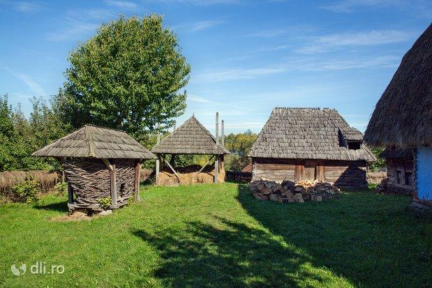 gospodarie-oseneasca-muzeul-satului-osenesc-din-negresti-oas-judetul-satu-mare.jpg
