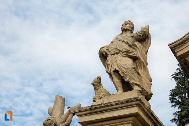 grup-de-statui-biserica-romano-catolica-sf-pertu-din-cluj-napoca-judetul-cluj.jpg
