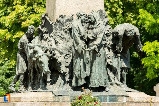 grup-de-statui-la-statuia-lui-al-i-cuza-din-galati-judetul-galati.jpg