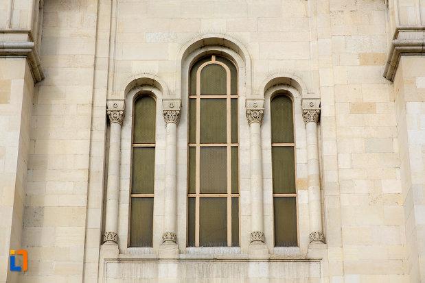 grup-de-vitralii-de-la-catedrala-ortodoxa-a-vadului-feleacului-si-clujului-din-cluj-napoca-judetul-cluj.jpg