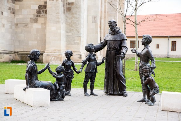 grup-statuar-din-orasul-alba-iulia-judetul-alba.jpg
