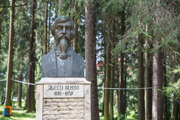 grupul-statuar-din-vatra-dornei-judetul-suceava-alecu-russo.jpg
