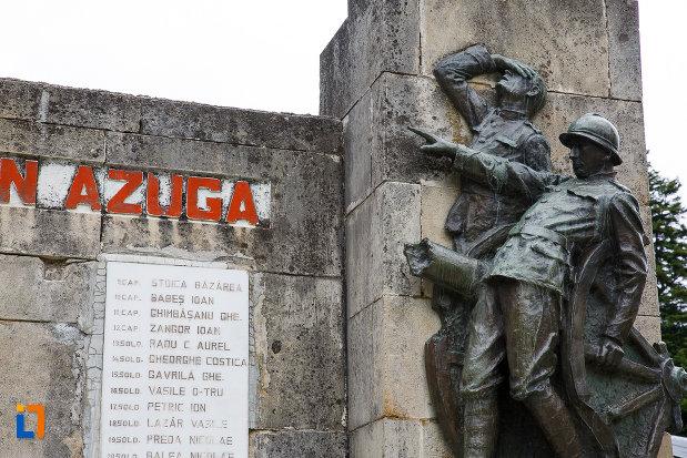 grupul-statuar-drept-monumentul-eroilor-din-azuga-judetul-prahova.jpg
