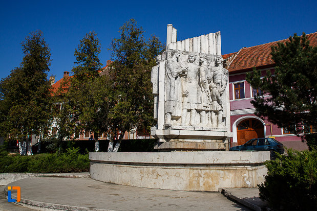 grupul-statuar-palia-din-orastie-judetul-hunedoara.jpg