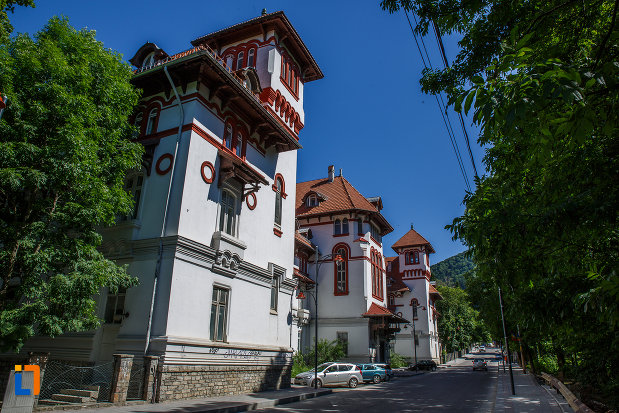 hotel-caraiman-din-sinaia-judetul-prahova-monument-de-arhitectura.jpg