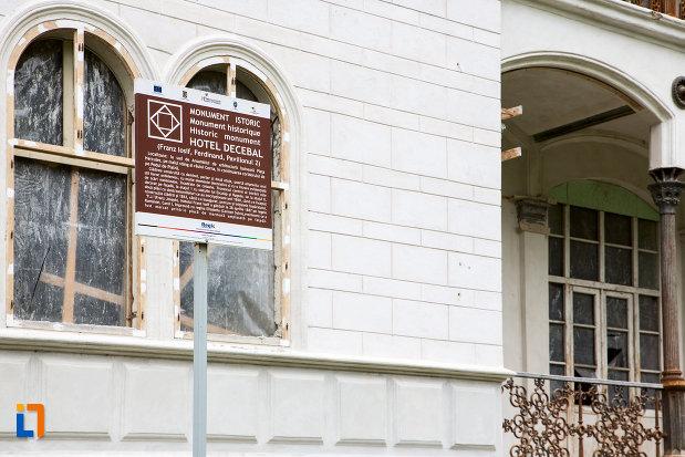 hotel-decebal-din-baile-herculane-judetul-caras-severin-monument-istoric.jpg
