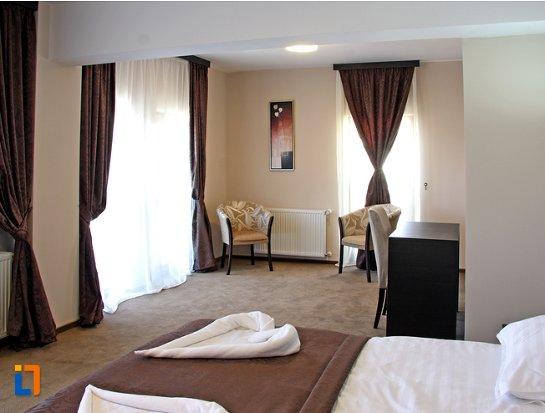 hotel-king-targoviste.jpg