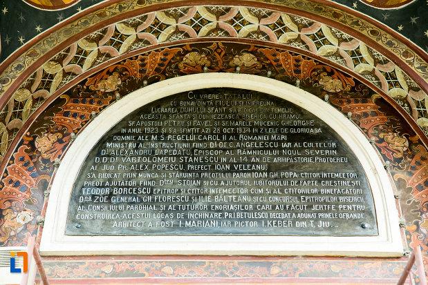 hramul-de-la-biserica-sf-apostoli-si-sf-gheorghe-din-caracal-judetul-olt.jpg