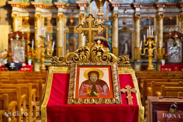 icoana-din-catedrala-ortodoxa-adormirea-maicii-domnului-biserica-cu-luna-din-oradea-judetul-bihor.jpg