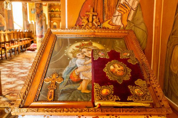 icoana-din-pictura-cu-sfinti-de-la-biserica-ortodoxa-din-firiza-judetul-maramures.jpg