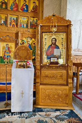 icoana-mantuitorului-din-manastirea-sfanta-treime-din-moiseni-judetul-satu-mare.jpg
