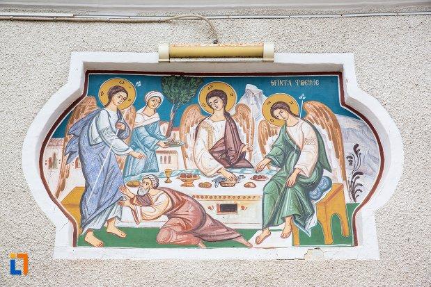 icoana-murala-biserica-sf-treime-din-ghimbav-judetul-brasov.jpg
