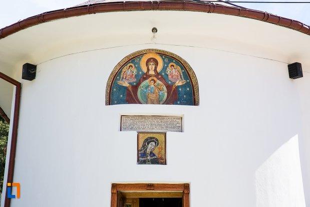 icoane-de-la-biserica-nasterea-maicii-domnului-1835-din-predeal-judetul-brasov.jpg