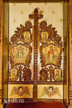 icoane-pe-lemn-din-manastirea-barsana-judetul-maramures.jpg
