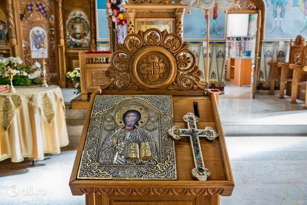 iconostas-catedrala-ortodoxa-din-negresti-oas-judetul-satu-mare.jpg