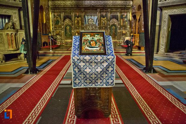 iconostas-din-catedrala-ortodoxa-a-vadului-feleacului-si-clujului-din-cluj-napoca-judetul-cluj.jpg