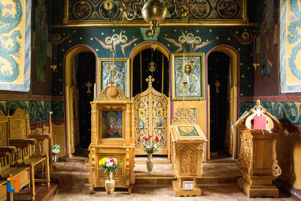 iconostas-din-manastirea-streharet-din-slatina-judetul-olt.jpg
