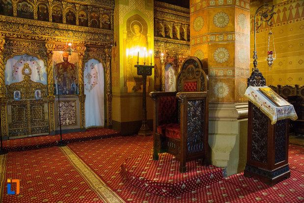 iconostasuri-din-catedrala-mitropolitana-sf-dimitrie-din-craiova-judetul-dolj.jpg