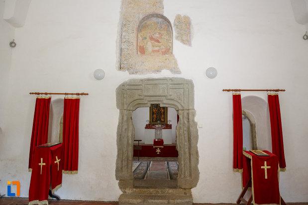 iconostasuri-din-manastirea-zamca-biserica-sfantul-auxentie-1551-din-suceava-judetul-suceava.jpg