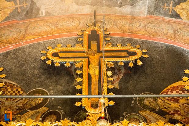 iisus-rastignit-manastirea-clocociov-din-slatina-judetul-olt.jpg