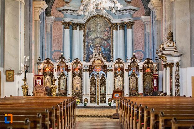 imagine-cu-altar-catedrala-greco-catolica-schimbarea-la-fata-din-cluj-napoca-judetul-cluj.jpg