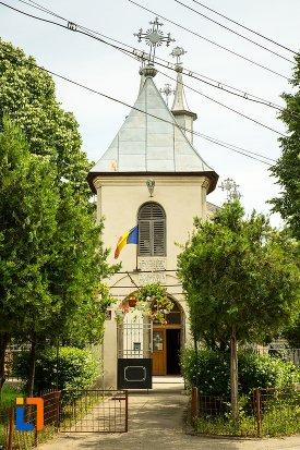 imagine-cu-ansamblul-bisericii-sf-dumitru-bagdat-din-ramnicu-sarat-judetul-buzau.jpg