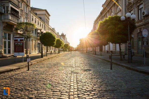 imagine-cu-ansamblul-de-arhitectura-strada-mihai-eminescu-si-strada-1-decembrie-din-braila-judetul-braila.jpg