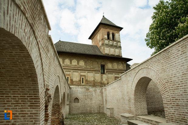 imagine-cu-ansamblul-manastirea-strehaia-judetul-mehedinti.jpg