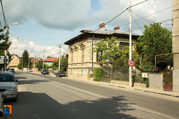 imagine-cu-ansamblul-urban-str-ionascu-din-slatina-judetul-olt.jpg