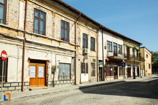 imagine-cu-ansamblul-urban-str-mihai-eminescu-din-slatina-judetul-olt.jpg