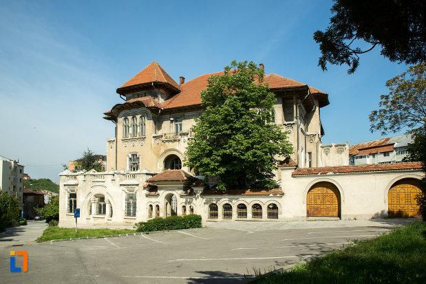 imagine-cu-banca-nationala-a-romaniei-din-slatina-judetul-olt-2.jpg