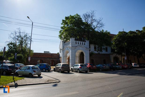 imagine-cu-bastionul-maria-therezia-din-timisoara-judetul-timis.jpg