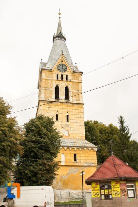 imagine-cu-biserica-evanghelica-fortificata-din-codlea-judetul-brasov.jpg