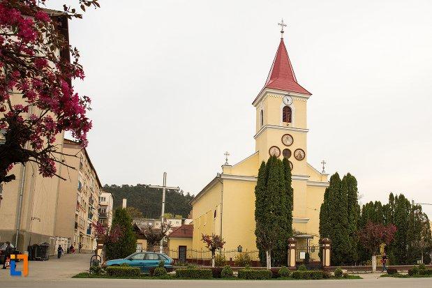 imagine-cu-biserica-greco-catolica-sf-nicolae-din-ocna-mures-judetul-alba.jpg