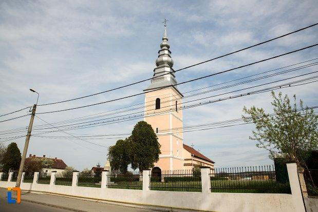 imagine-cu-biserica-maieri-sf-treime-din-alba-iulia-judetul-alba.jpg