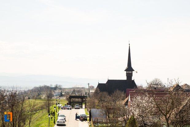 imagine-cu-biserica-mihai-viteazul-din-alba-iulia-judetul-alba.jpg