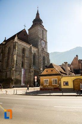 imagine-cu-biserica-neagra-1383-1477-din-brasov-judetul-brasov.jpg