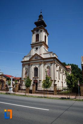 imagine-cu-biserica-ortodoxa-nasterea-maicii-domnului-din-sannicolau-mare-judetul-timis.jpg