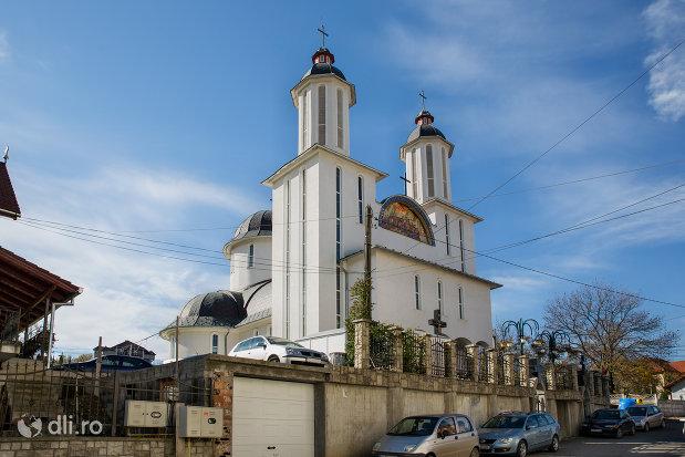 imagine-cu-biserica-ortodoxa-pogorarea-sfantului-duh-din-zalau-judetul-salaj.jpg