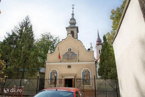 imagine-cu-biserica-ortodoxa-sf-treime-din-oradea-judetul-bihor.jpg