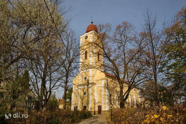 imagine-cu-biserica-reformata-din-valea-lui-mihai-judetul-bihor.jpg