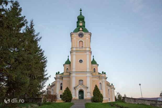imagine-cu-biserica-reformata-din-zalau-judetul-salaj.jpg