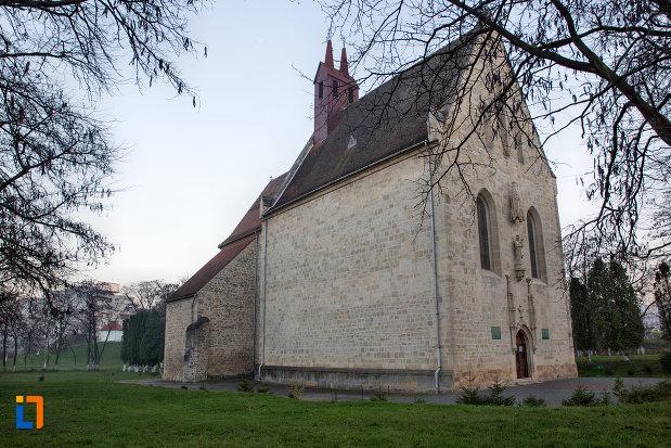 imagine-cu-biserica-romano-catolica-calvaria-din-cluj-napoca-judetul-cluj.jpg