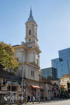 imagine-cu-biserica-romano-catolica-din-zalau-judetul-salaj.jpg