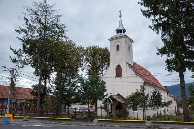 imagine-cu-biserica-sf-anton-de-padova-din-zarnesti-judetul-brasov.jpg
