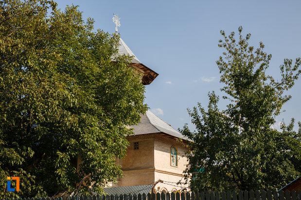 imagine-cu-biserica-sf-nicolae-vechi-din-ploiesti-judetul-prahova.jpg