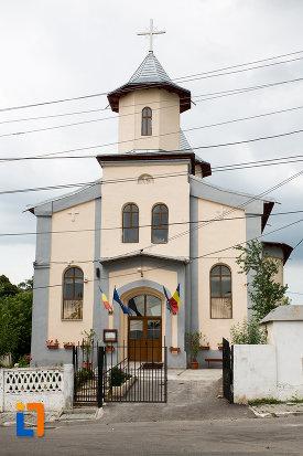 imagine-cu-biserica-sf-treime-biserica-smarda-din-giurgiu-judetul-giurgiu.jpg