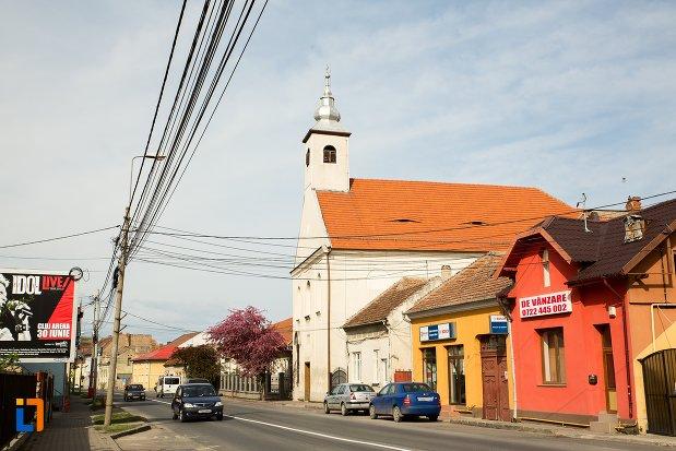 imagine-cu-biserica-si-manastirea-franciscana-din-alba-iulia-judetul-alba.jpg